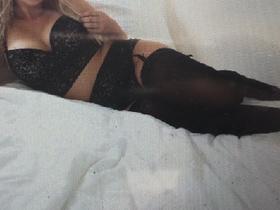 Bekijk fotoserie van sexyblondine